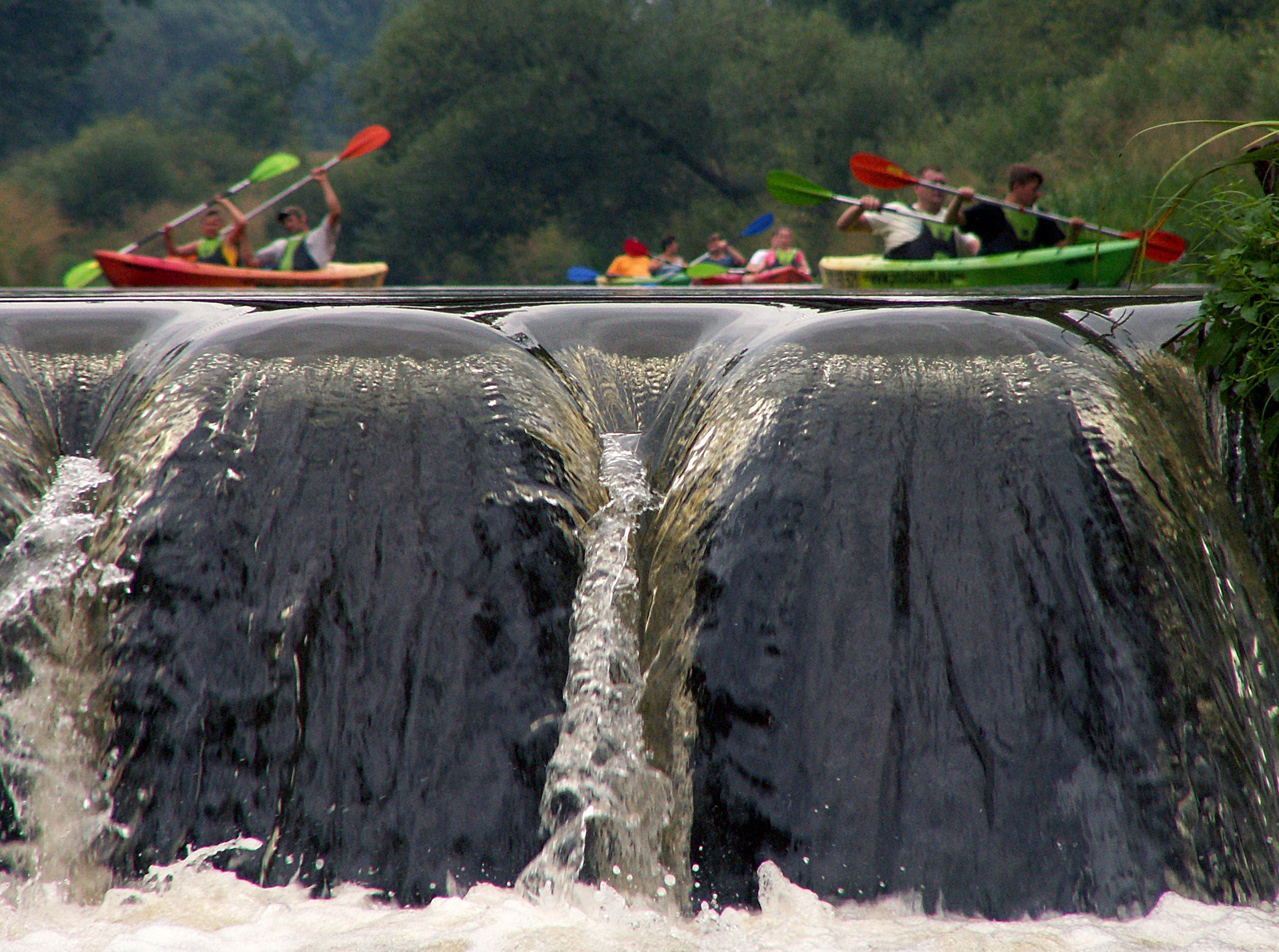 whitewater_rafting_waterfall